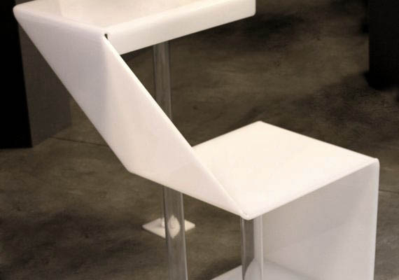 a sitting with table. Different ways to use it, alone or like a module.